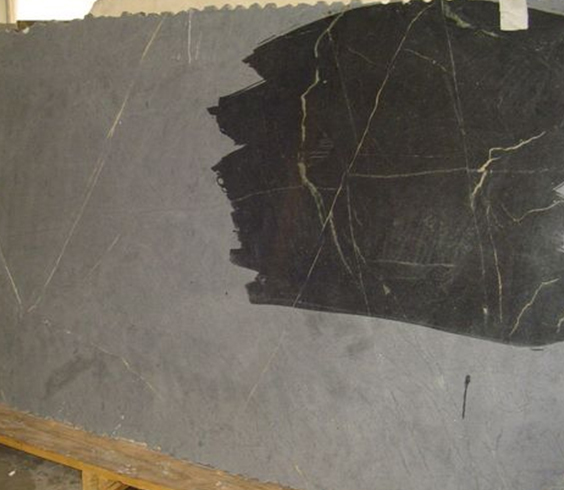 natural and oiled soapstone